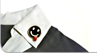 Collar with a smiley pin